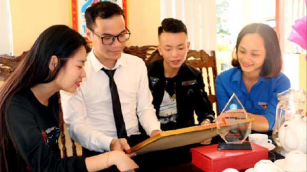 """Chàng sinh viên Yên Bái được vinh danh tại cuộc thi """"Sinh viên Việt Nam - những câu chuyện đẹp"""""""
