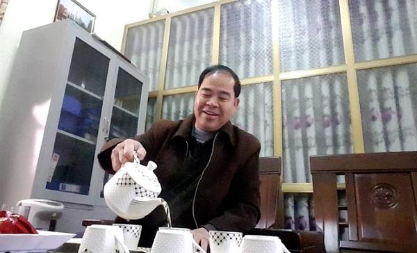 Hé lộ những tin nhắn d.ụ dỗ học sinh THCS của thầy hiệu trưởng l.oạn d.âm ở Phú Thọ