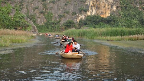 Hành trình khám phá khu đầm nhiều kỷ lục ở Ninh Bình