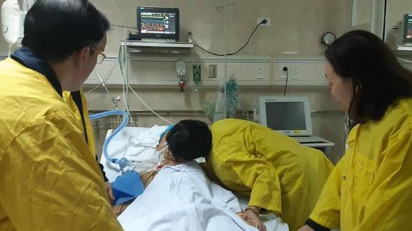 Rơi nước mắt nụ hôn từ biệt của người vợ gửi chồng hiến tạng cứu thiếu niên Hải Dương