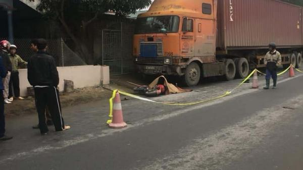 Quốc lộ 32C: Xe container đi hướng Phú Thọ-Yên Bái đâm t.ử vong 1 học sinh