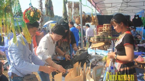 Đặc sắc phiên chợ nông sản Ðiện Biên - không gian ẩm thực sắc màu Tây Bắc
