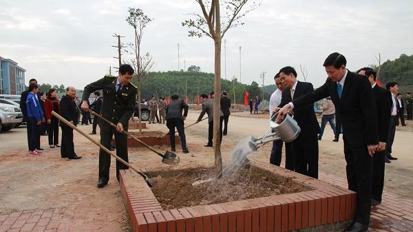 Yên Bái trồng 2ha cây Lát hoa trong lễ phát động tết trồng cây năm 2019