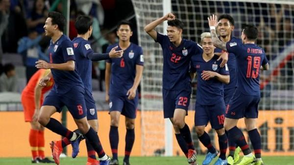 """Huyền thoại bóng đá Thái Lan tuyên bố: """"10 năm nữa, Việt Nam mới thắng nổi Thái Lan"""""""