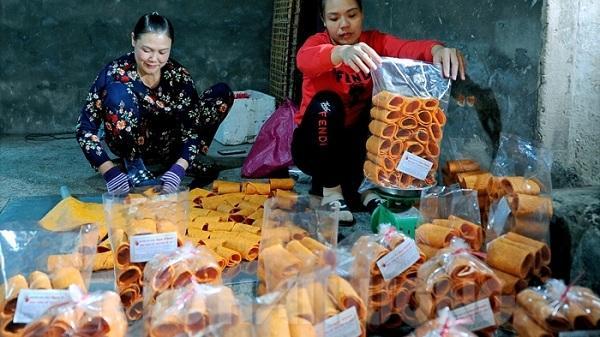 Mê đắm bánh đa gấc Kẻ Sặt - vị ngọt một vùng quê: Ăn một lại muốn ăn hai, ăn ba ăn bốn lại nài ăn thêm