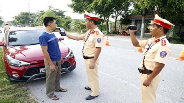 Công an huyện Yên Mô đẩy mạnh kiểm tra, xử lý vi phạm nồng độ cồn