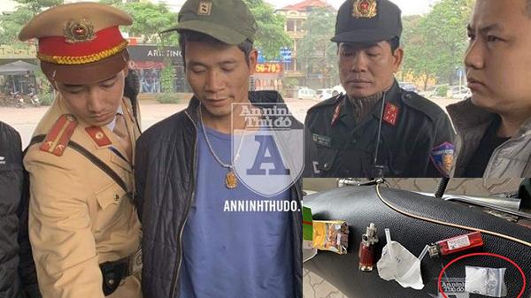Thanh niên Hòa Bình giấu m.a t.úy đá vào hộp bánh cốm, quay đầu bỏ chạy khi gặp 141
