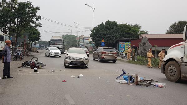 """""""Ô tô điên"""" gây tai nạn kinh hoàng ở Hải Dương: 1 người không qua khỏi, lái xe uống rượu"""