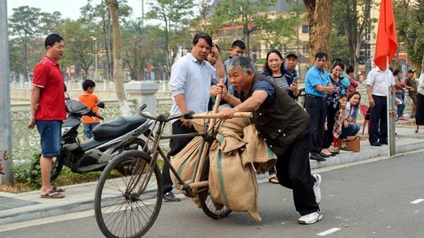 """Điện Biên: Clip """"đua xe đạp thồ"""" tái hiện lại lịch sử hào hùng"""