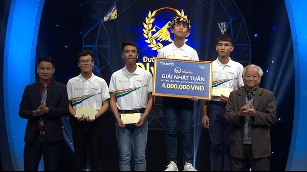 Biểu cảm 'đắc thắng' của nam sinh Ninh Bình giải nhất tuần Olympia gây sốt MXH