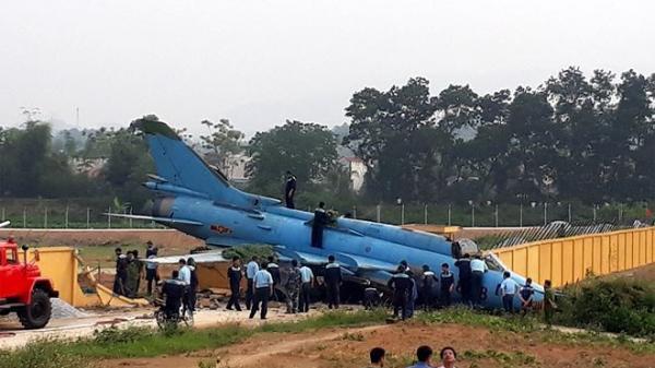 Ảnh hiện trường vụ máy bay Su-22 gặp nạ n ở Yên Bái