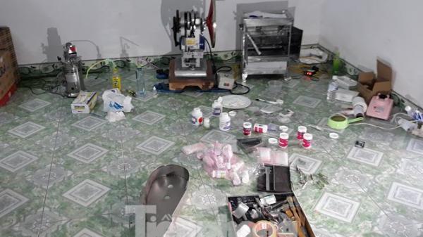 Khởi tố 3 bị can quê Ninh Bình trong vụ bắt xưởng sản xuất ma túy liên tỉnh