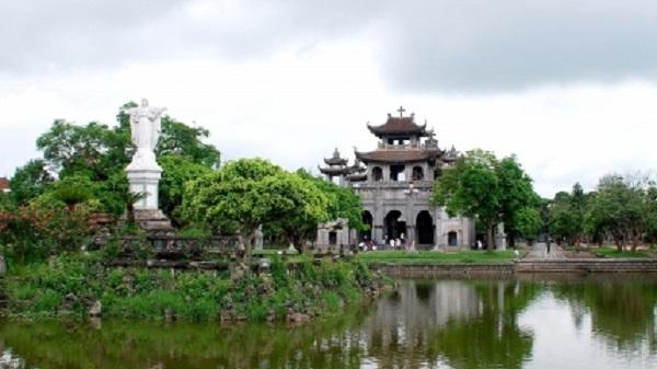 Độc đáo kiến trúc nhà thờ đá Ninh Bình