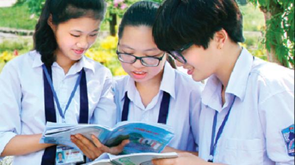 Khánh Huyền: Cô thủ khoa xuất sắc nhận phần thưởng của Quỹ Khuyến học, khuyến tài Đinh Bộ Lĩnh