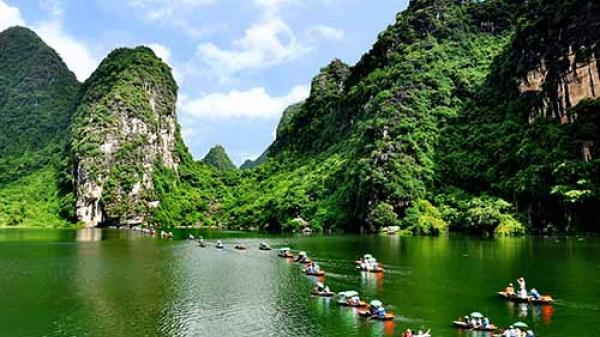 """Ngỡ ngàng ngắm vẻ đẹp """"huyền thoại"""" của Ninh Bình - Tràng An"""