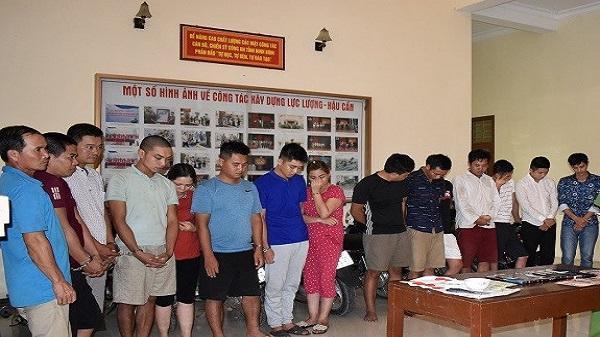 """Cảnh sát Ninh Bình đột kích sới xóc đĩa có """"bóng hồng"""" tham gia"""