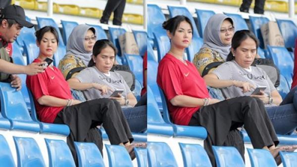 Maria Ozawa đi xem SEA Games, cổ vũ trận U22 Indonesia đ.ấu U22 Thái Lan