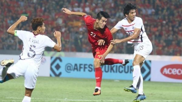Trận đấu mới được nửa hiệp, Tiến Linh - Đức Chinh đã thắp lửa fans Việt khi ghi bàn vào lưới Campuchia