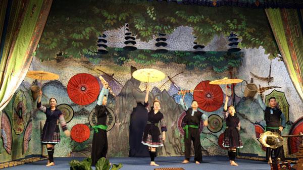 Nhiều hoạt động chào mừng Lễ công bố thành lập thị xã Sa Pa (Lào Cai)