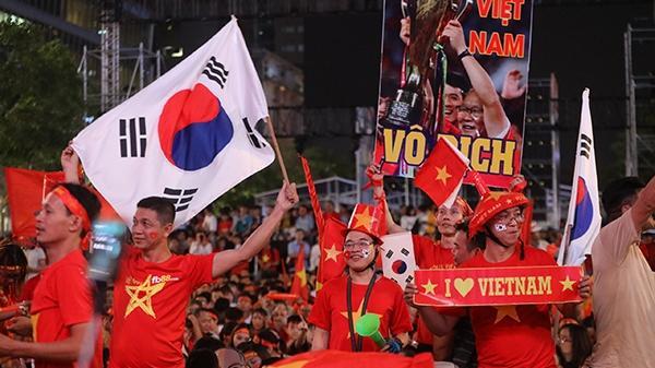 Hàng triệu CĐV vỡ òa mừng U22 Việt Nam vô địch bóng đá nam SEA Games 30