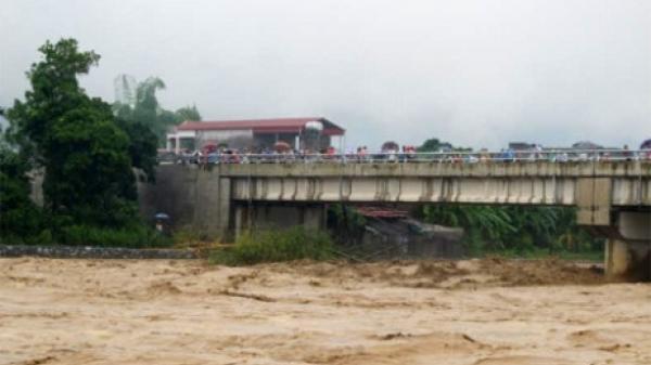 Chia 7 mũi tìm kiếm phóng viên Đinh Hữu Dư cùng những người bị lũ cuốn tại Yên Bái