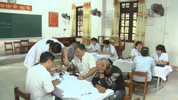 Cấp phát hơn 30 cơ số thuốc cho người dân huyện Gia Viễn và Nho Quan