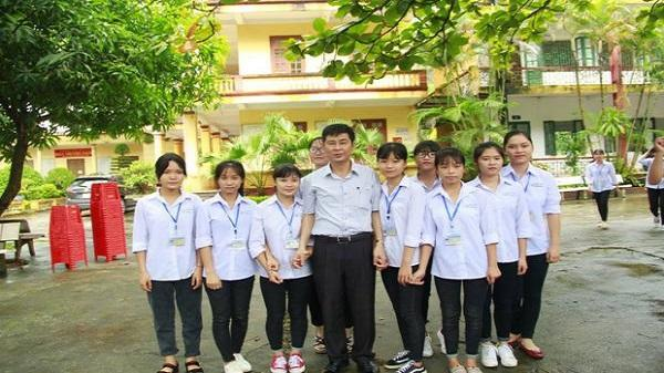 """Từ câu chuyện về thầy hiệu trưởng trường THPT Hoa Lư A (Ninh Bình) đến bài học về """"tình thầy trò"""" thời @"""