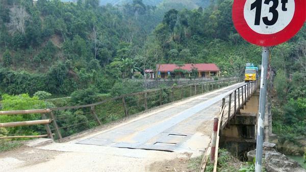Lào Cai: Nhiều cầu hỏng mỏi mòn chờ sửa chữa