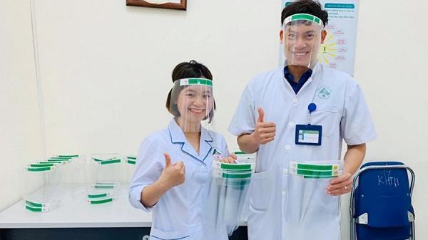 Lào Cai: Sáng chế kính bảo hộ ngăn giọt bắn phòng ngừa Covid-19