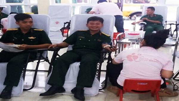 Sĩ quan trẻ Ninh Bình 10 lần hiến máu tình nguyện