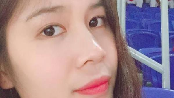 """Người con gái Ninh Bình vừa """"siêu"""" bóng chuyền lại cực kỳ xinh xắn và rất thích ...nhắm mắt khi chụp ảnh"""