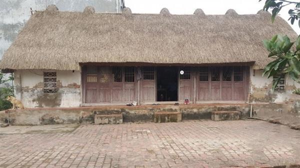 Ngôi nhà lợp bằng cây cói hiếm hoi còn lại ở Ninh Bình