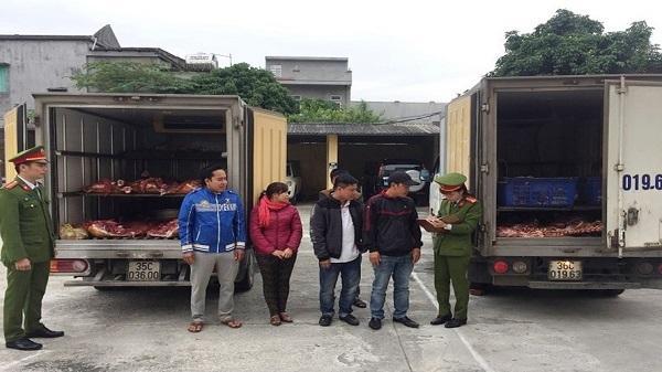Bắt giữ 4 xe tải chở gần 1 tấn thịt bò thối về Ninh Bình tiêu thụ