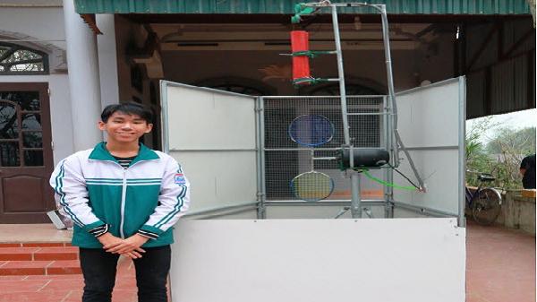Nam sinh lớp 9 ở Ninh Bình sáng chế máy tập cầu lông độc đáo