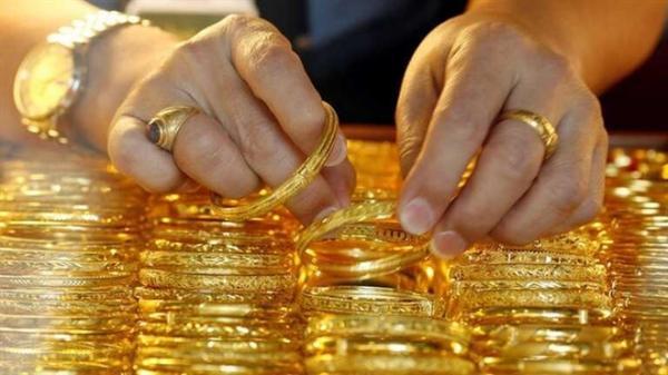 Giá vàng hôm nay 21.3: Giằng co liên tục, người mua lỗ nặng sau 1 tuần