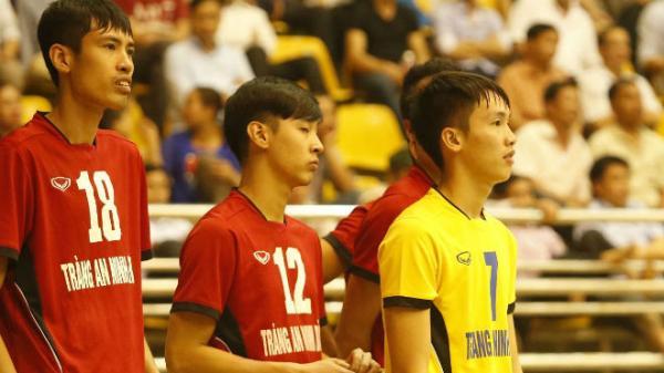 """Choáng: Việt Nam có """"siêu nhân"""" bóng chuyền 2m, đập bóng như vũ bão đến từ Ninh Bình"""