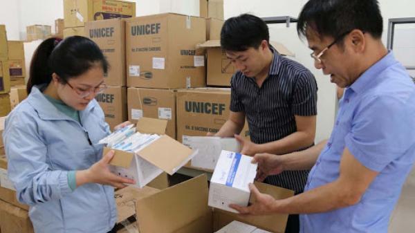 Lào Cai, tiếp nhận thêm 1.300 liều vắc xin để tiêm phòng COVID-19 đợt 2