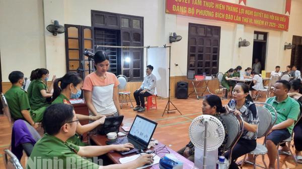 Công dân trên địa bàn thành phố Ninh Bình có thể đăng ký làm CCCD qua mạng xã hội