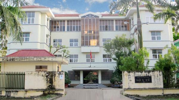 """NÓNG: Phó Giám đốc Sở Y tế Vĩnh Phúc bị đình chỉ công tác vì """"chậm trễ tham mưu"""" trong phòng chống dịch Covid-19"""