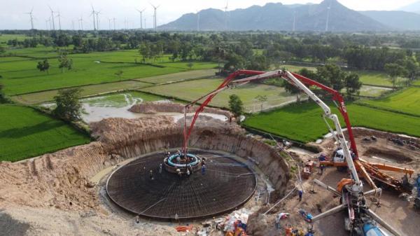 Hai nhà máy điện gió ở Bình Thuận và Ninh Thuận nhận 57 triệu USD từ IFC