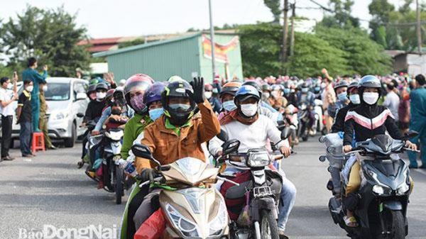 Gần 3 ngàn công dân tạm trú tại Đồng Nai được hỗ trợ về quê phòng dịch