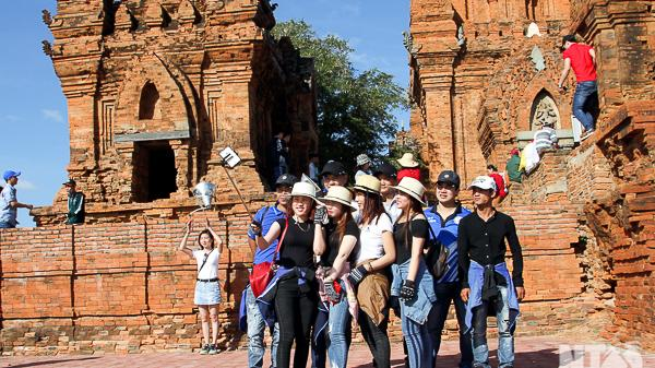 Ninh Thuận: Trên 5.000 lượt du khách tham quan Tháp Pokong Garai