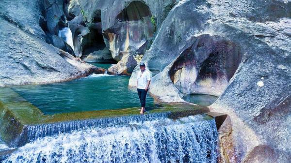 Tất tật thông tin về thác Ba Hồ - Tuyệt Tình Cốc phiên bản Ninh Thuận đang gây sốt những ngày qua