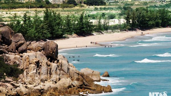 Khám phá bãi biển Bình Tiên - viên ngọc ẩn dấu của Ninh Thuận