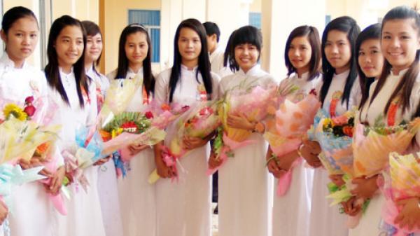 Ninh Thuận: Nghiêm cấm cơ sở giáo dục vận động thu tiền trong dịp 20/11