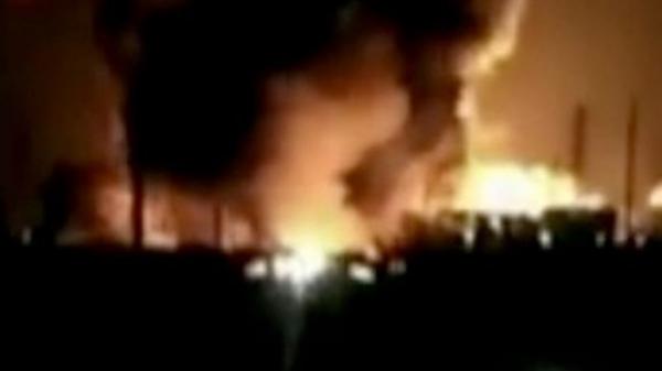 Nổ lớn nhà máy hóa chất TQ, 22 người c.hết, 50 xe bị thiêu rụi