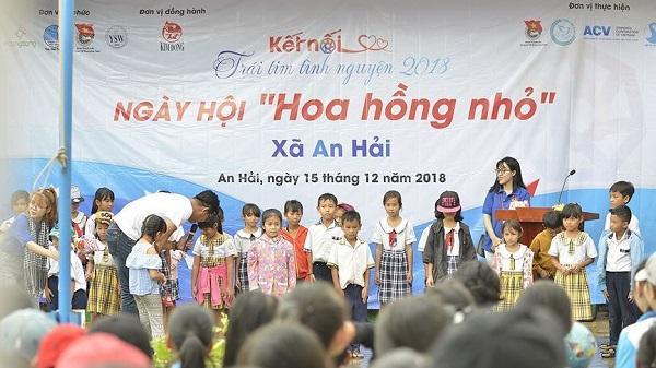 300 tình nguyện viên mang hơi ấm yêu thương về vùng quê khó Ninh Thuận