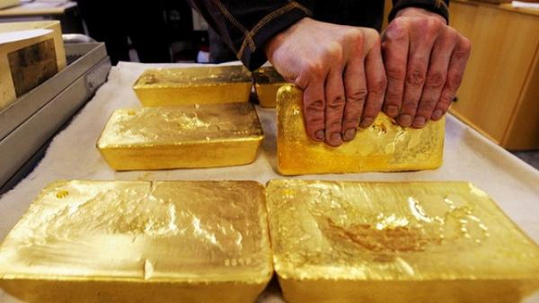 Giá vàng tăng vọt lên mức cao nhất trong hơn 6 năm