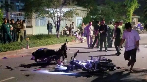 Tông xe máy ở đường nội bộ, hai người c.h.ết tại chỗ