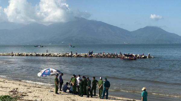 Đà Nẵng: Đi câu cá, hoảng hồn phát hiện x.ác người phụ nữ trôi dạt vào bờ biển